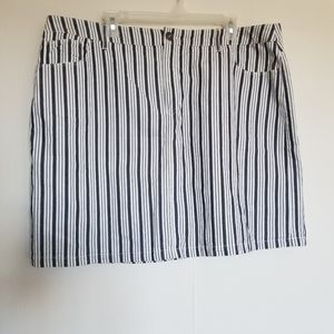 Croft & Barrow Women's Striped Skirt Skort size 16